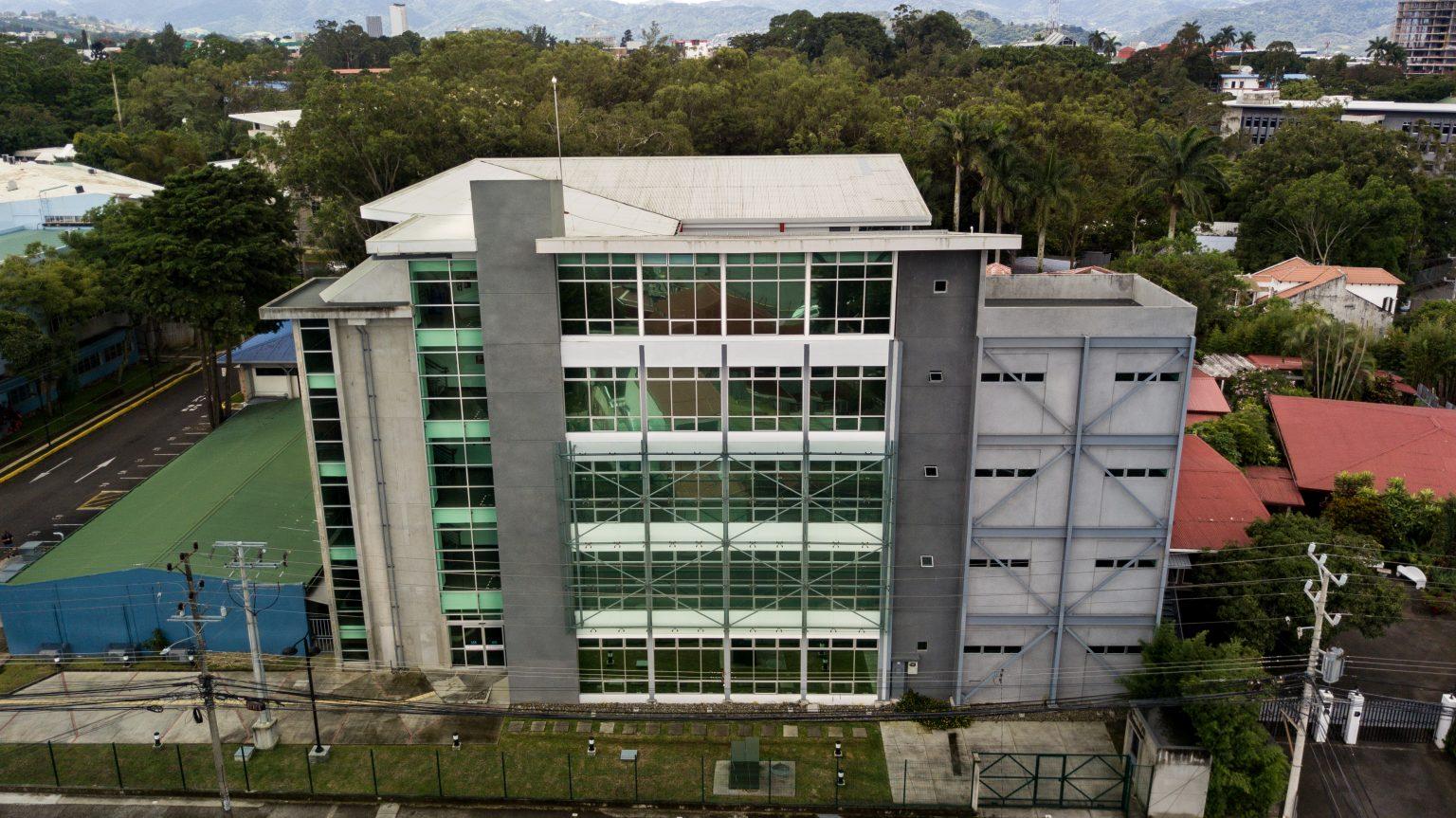 """Pronunciamiento del Departamento de Salud Ambiental de la Escuela de Tecnologías en Salud, en Contra del Proyecto de Ley 21.478 """"Ley para el Aprovechamiento Sostenible del Camarón en Costa Rica"""" conocida como da Ley de Pesca de Arrastre."""